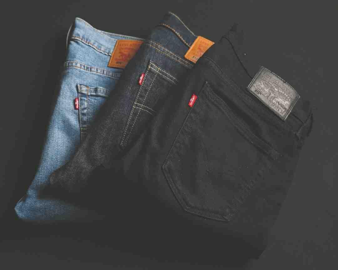 Comment enlever des taches d'encre d'une paire de jeans