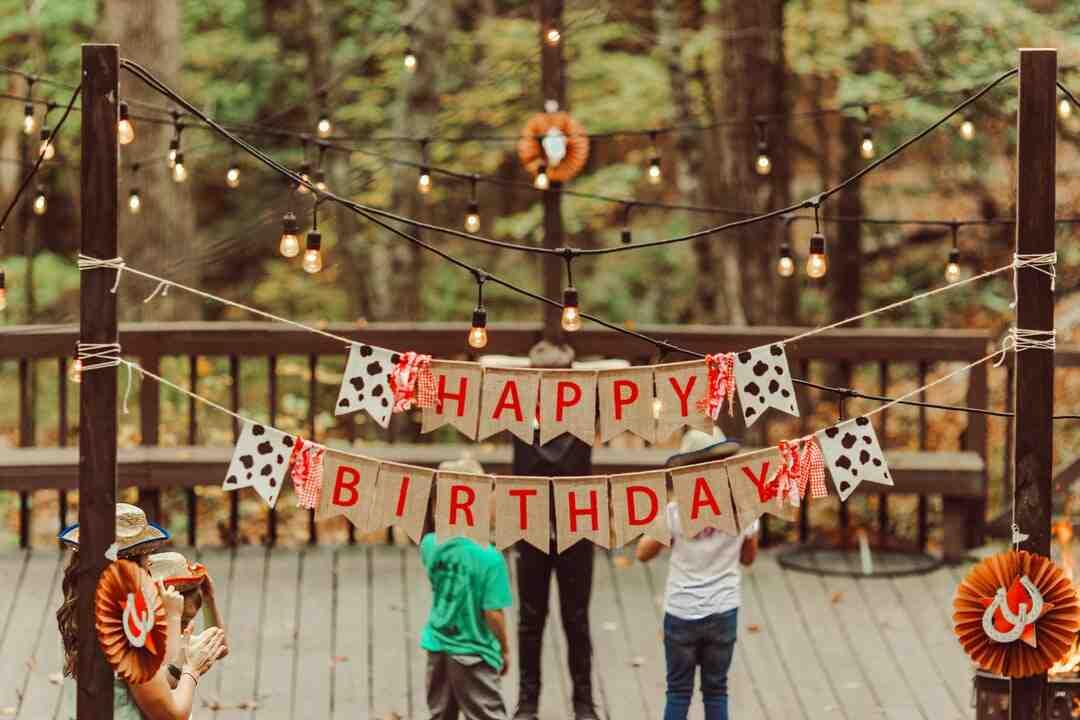 Comment dire joyeux anniversaire en français
